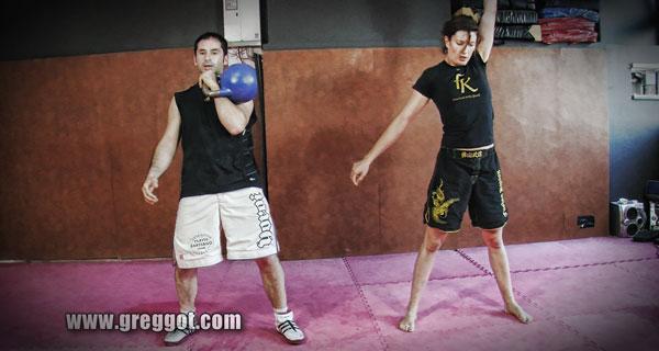 Musculation – Kettlebells et poids de corps